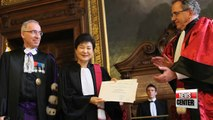 President Park receive an honorary doctorate from the Paris-Sorbonne University