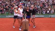 #RG16 : la balle de match victorieuse de Kristina Mladenovic et Caroline Garcia en finale du double dames