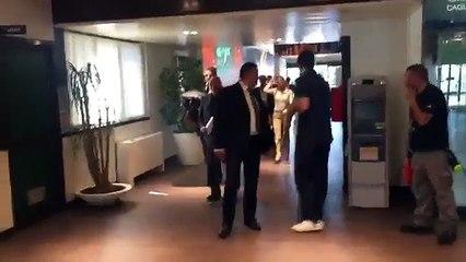Milan, Berlusconi: 'Compro qualcuno? Solo se mi prestate i soldi...'