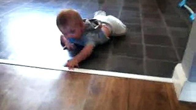 babys frist time crawling