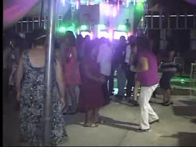 baile en santiago llano grande zac,putla,oax.....26-08-2011....2da parte...