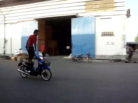Motorcycle ผาดโผน