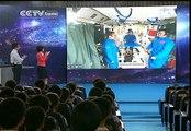 Astronautas de Shenzhou 10 imparten clase de física desde el espacio