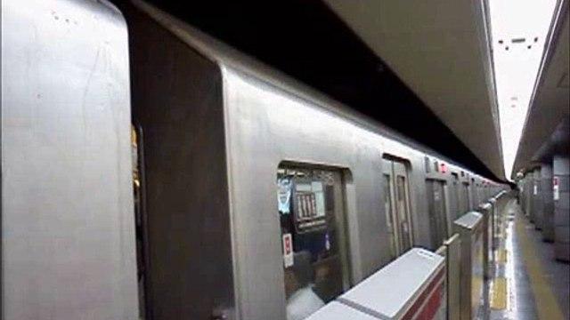 都営大江戸線12-000形 第29編成4次車 代々木駅(E-26)発車