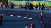 Séance de javelot pour Usain Bolt au stade olympique