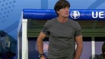 L'entraineur allemand Joachim Löw aime sentir ses doigts