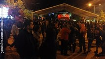 City center full at António Zambujo's concert in Saint António hollyday. Vila Real. Portugal. 2016 | Praça do município repleta em concerto de António Zambujo no dia de Santo António. Vila Real. Portugal. 2016 | 4k UHD 2160p