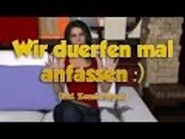 Nackt dateing ariane Ariane Grande