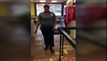Cette employée de fast food est vraiment très très très énervée