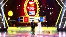Ali Hugs Singer At SIIMA Awards 2015