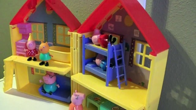 Peppa Pig Playhouse  with Lalaloopsy Fluffy pouncy paws