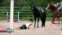 Mélanie fait une chute à cheval et se fait très mal !