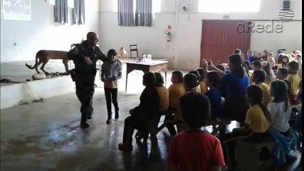 Polícia faz palestras sobre educação ambiental em escolas