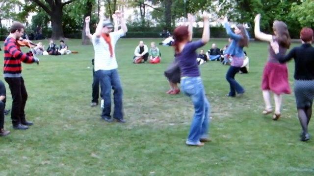 Dance Day 2011-04-29 Prague (#10) Rond-Kampa