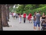 Report TV - Tiranë, atmosfera përpara fillimit të ndeshjes mes Shqipërisë dhe Rumanisë
