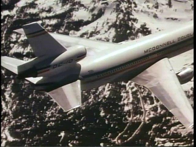 DC 10 Flying