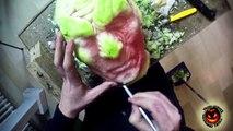 Le visage d'un personnage de Game Of Thrones sculpté dans une pastèque