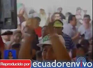 Presidente Correa evalúa aceptación del oficialismo