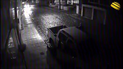 Câmera flagra chegada de quadrilha em assalto a banco