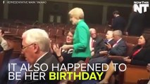 Elizabeth Warren, Other Senators Show Their Support With Food