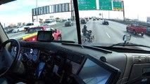 Le formidable geste d'un routier envers une motarde pour lui sauver la vie