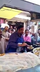 Memorable Video:- Amjad Sabri selling chaat in public for helping the needy to fulfill her dream! – we lost a Real Life Hero!