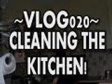 Vlogmas: CLEANING THE KITCHEN! - VLOGS! (Vlog020)