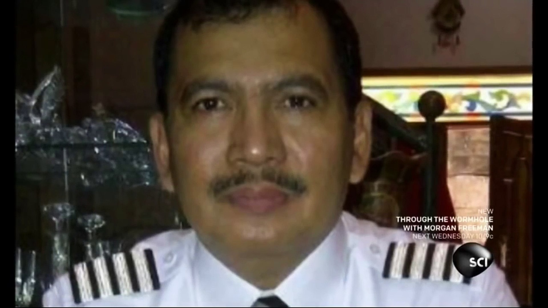 Air Asia Flight 8501 'Disaster over Indonesia'