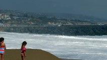 S'empaler en Jet Ski sur les rochers en prenant une vague... FAIL