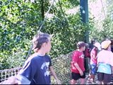 Petits Futés sur le pont suspendu 17 08 09