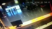 IMAGES VIOLENTES - Aéroport d'Istanbul : les premières images des attentats
