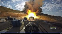 Tests de mise à feu d'un moteur de fusée géante par la NASA