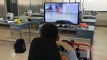 Simulateur de pilotage d'une... voiture télécommandée haha