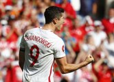 Lewandowski douche le Portugal