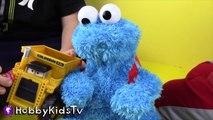 World's Biggest COOKIE MONSTER Surprise Egg! Sesame Street Toys HobbyKidsTV_4