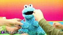 World's Biggest COOKIE MONSTER Surprise Egg! Sesame Street Toys HobbyKidsTV_8