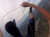 Un parachutiste perd son parachute