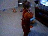 Premier pas de lucas 14.02.2006