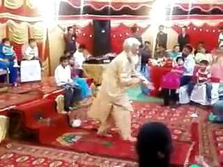 Mast Mulla Dancing On Wedding – Funny Molvi Dancing Crazy – Pakistani Funny Videos