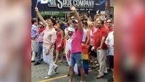 Canada : Justin Trudeau défile pour une Gay Pride historique