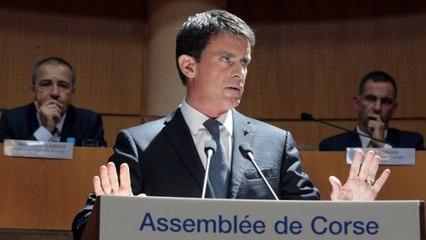 En Corse, Valls reste ferme sur les questions sensibles