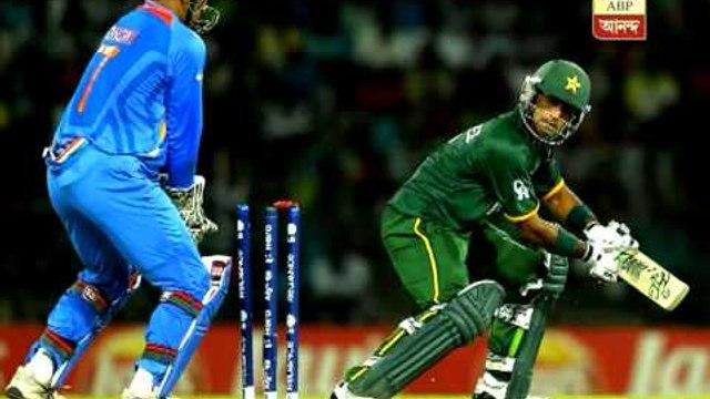 India crush Pak, keep World T20 hopes alive