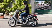 2016 Piaggio Medley 125i ABS [ESSAI VIDEO] : l'italien malin