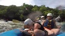 Demande en mariage pendant du Rafting dans les rapides... Mauvaise idée lol