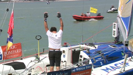 Solitaire Bompard Le Figaro - ETAPE 4 : passage de la ligne - Charlie DALIN ( Skipper Macif 2015 ) - Yoann RICHOMME ( Skipper 2014 )