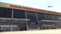 Hakkari Valisi Toprak, Yüksekova Havaalanı'nda İncelemelerde Bulundu