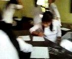 nữ sinh D3 làm gì này ? check it out - what are D3 school girls doing?
