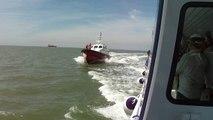 Le pilote du Havre saute à bord  de la croisière France Bleu Normandie