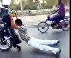 One Wheeling Craze In Pakistan - Pakistani Bikers Wheeling On The Streets