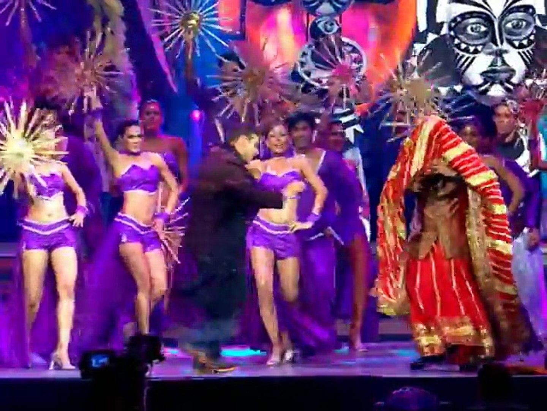 Salman Khan & Govinda's PARTNER performance _ IIFA Awards 2007 _ Yorkshire  - Part 8